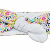 Baby Nellys Čelenka – biela s farebnými kvetinkami